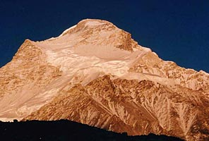 Cho Oyu Guided Climbing Expedition with International Mountain Guides