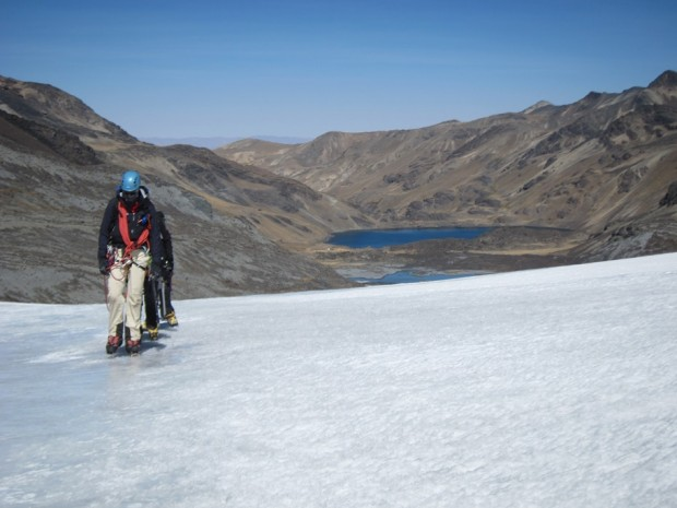 View of training on the glacier with Base Camp and the lake with fresh trout in the background (Roberto Gomez)