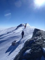 Descending the summit ridge (Rob Marshall)