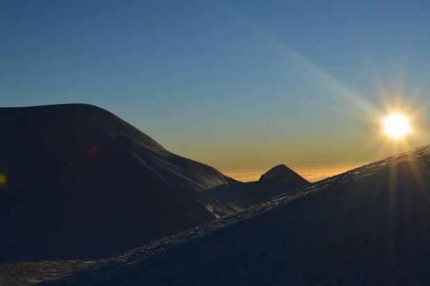 Sunrise on Illimani (Greg Vernovage)