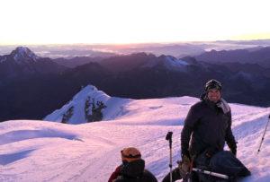 Dawn break on Huayna Potosi (Roberto Gomez)
