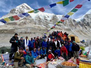 Team 1 Puja (Ang Jangbu Sherpa)
