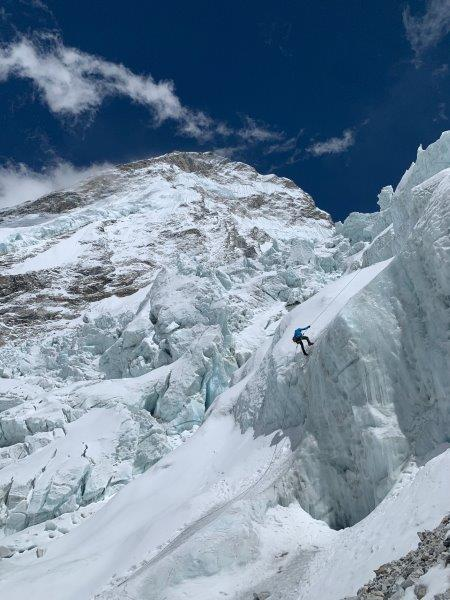 Descending a section of the Khumbu Icefall (Kevin Kayl)