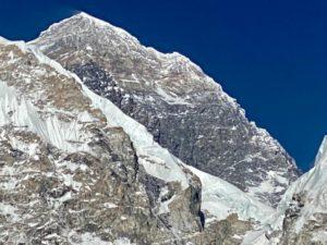 Looking at Mount Everest (Ang Jangbu Sherpa)