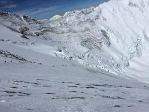 Looking down from the Geneva Spur to the Yellow Band and Camp 3 (Phunuru Sherpa)