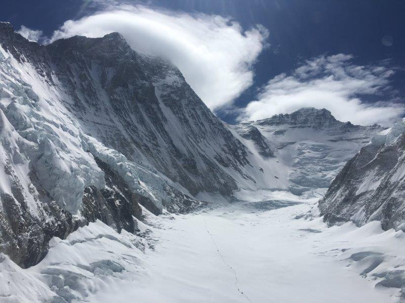 Looking up the Western Cwm (Phunuru Sherpa)