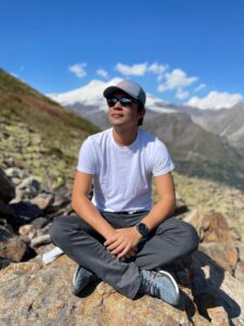 Thinking about the next mountain in Russia (Sasha Sak)
